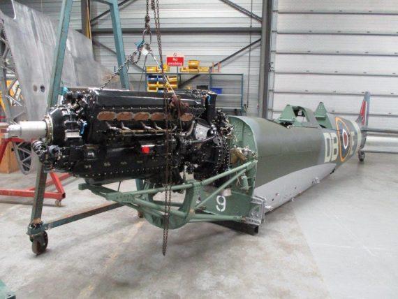 R25 NH341 Engine fitting (3)