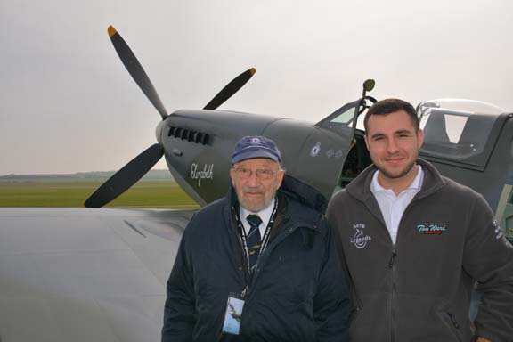 Gerry Abrahams & Ben Perkins (Aero Legends Manager). Photo courtesy of Ady Shaw.